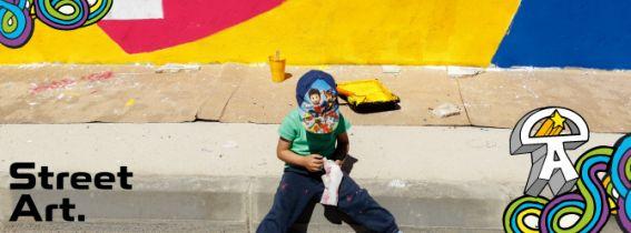 TALLER FAMILIAR COLOUR LEI (STREET ART)